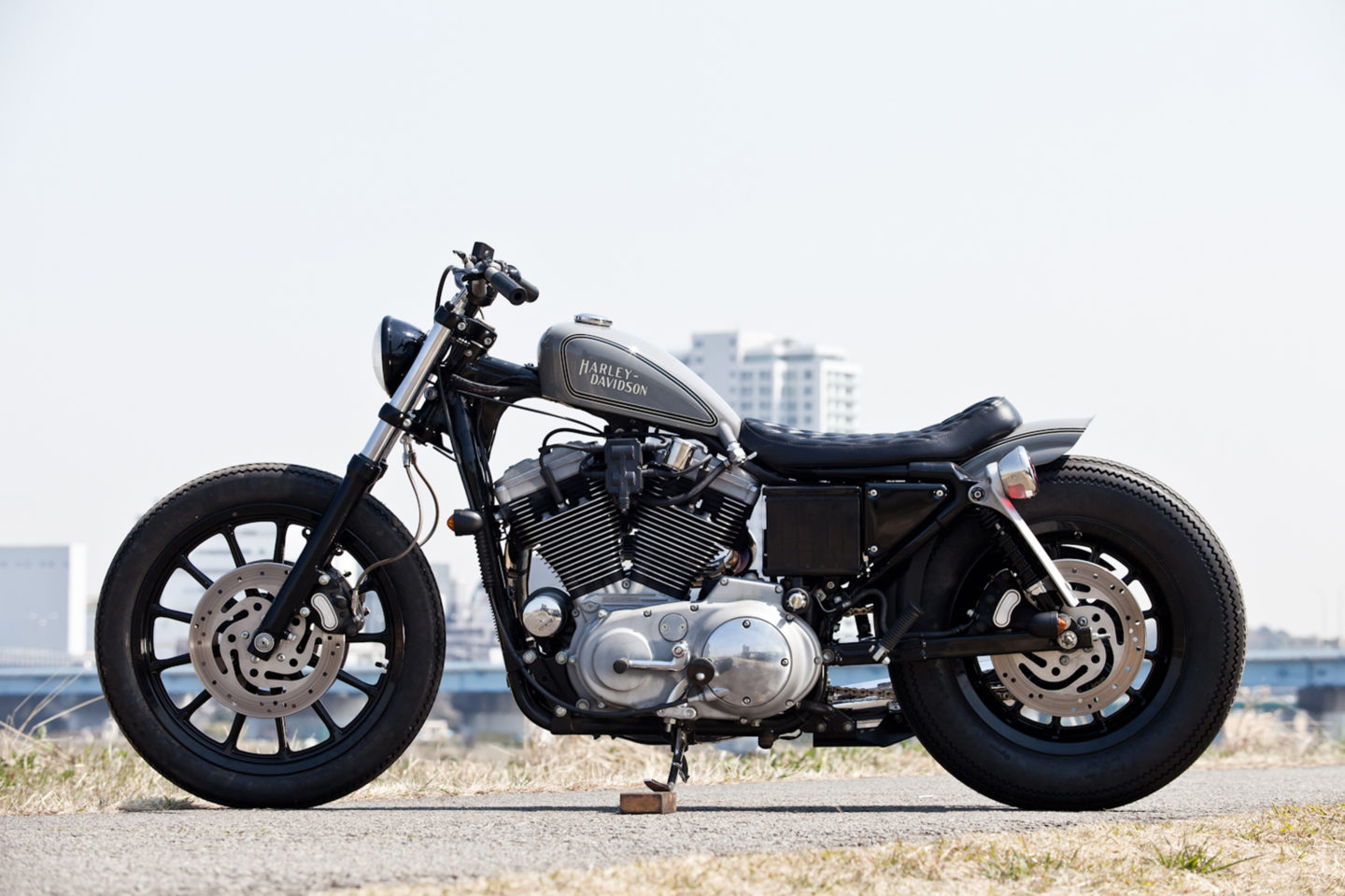 SPORTSTER CUSTOM SP-24